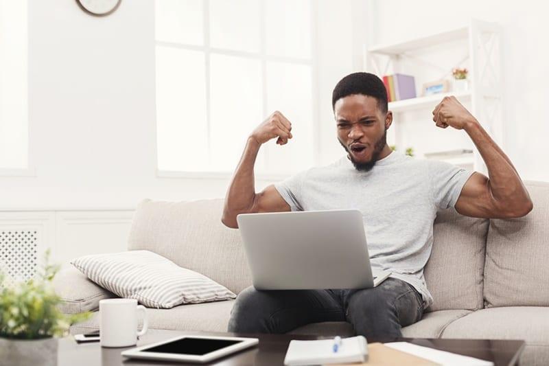 Recrutamento online: 3 dicas para os atletas terem mais evidência no mundo digital