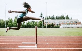 Como a AtletasNow cria oportunidades para atletas universitários?