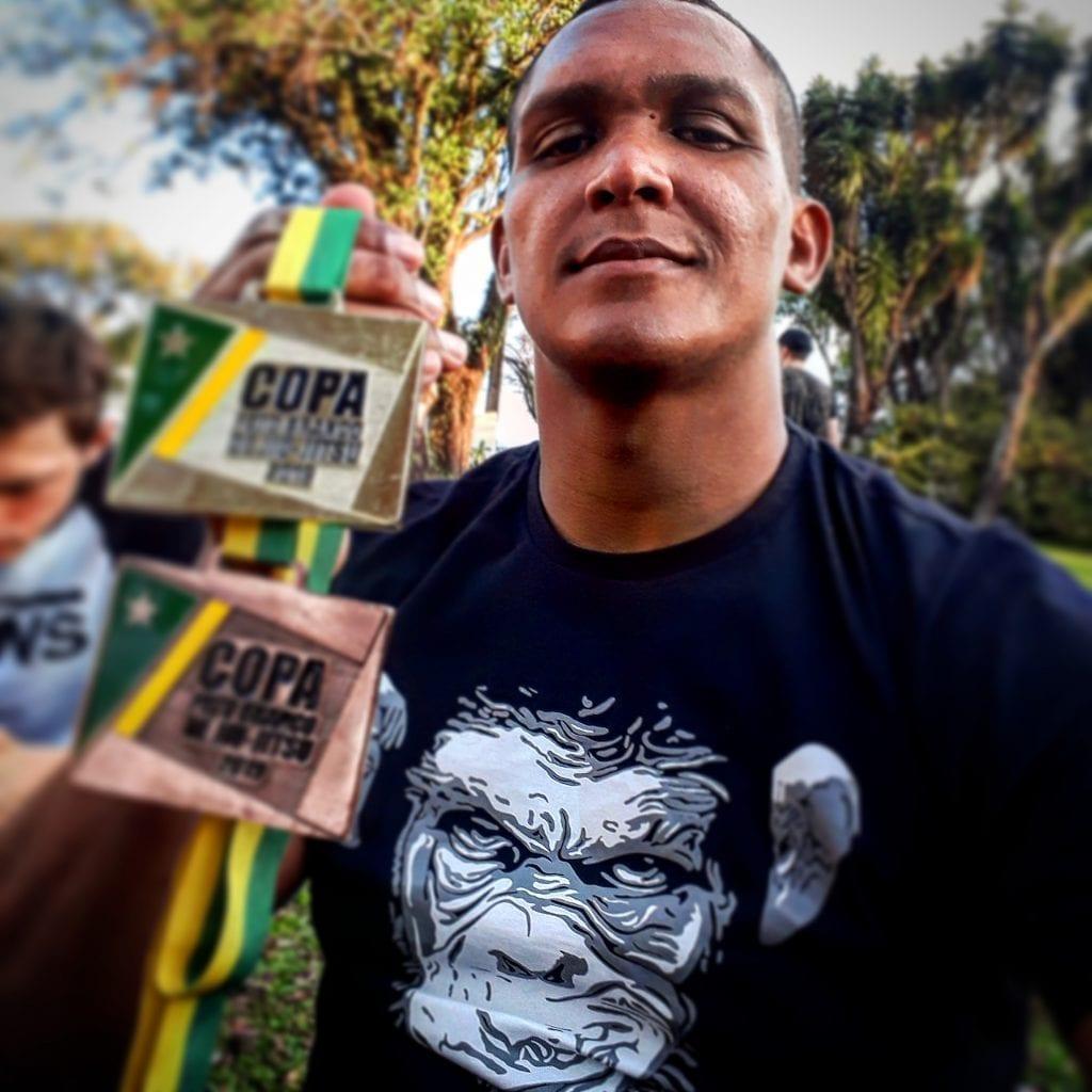 Atleta patrocinado Deyveson Oliveira