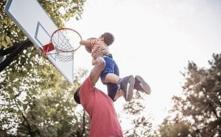 Como os pais de promessas veem oportunidades na AtletasNow
